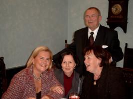 Hans Vicari mit Christina Geisperger, Traudl Lohmeier und Renate Vicari